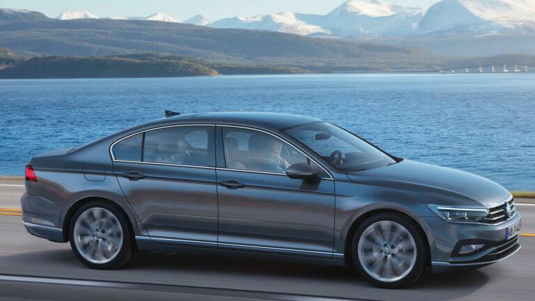 H VW ανανέωσε το Passat και βελτίωσε την υβριδική του έκδοση [vid]