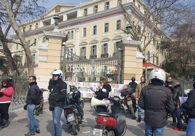 Μοτοπορεία από τους διανομείς στη Θεσσαλονίκη – video