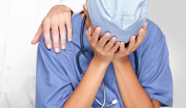 Γιος ασθενούς που απεβίωσε ξυλοκόπησε γιατρό στην Καβάλα | Newsit.gr