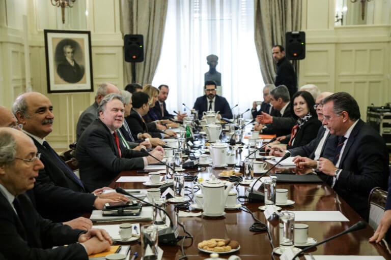 """""""Σφαγή"""" στο Συμβούλιο Εξωτερικής Πολιτικής – Κόντρα αντιπολίτευσης με τον Κατρούγκαλο"""