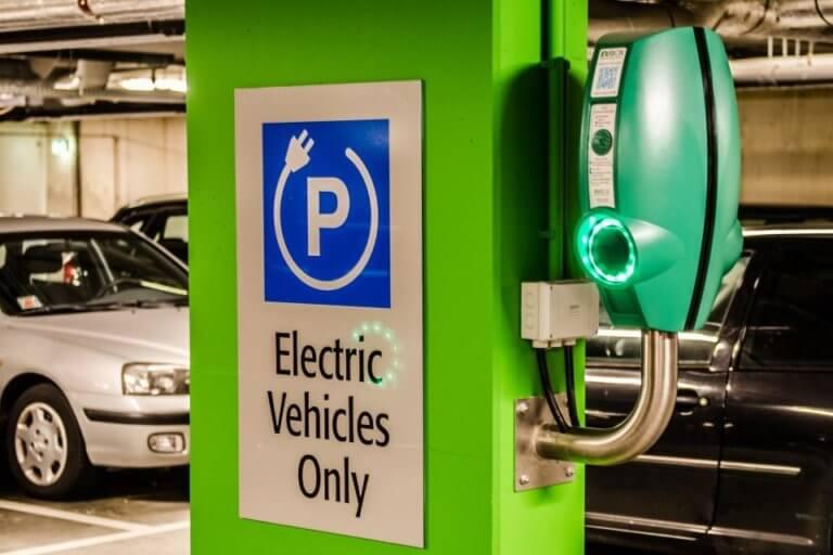 Προτάσεις για την προώθηση της ηλεκτροκίνησης στην Ελλάδα | Newsit.gr