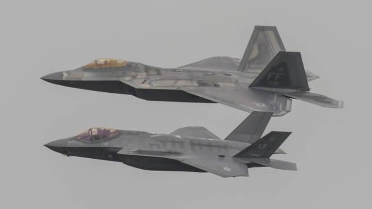 """Έτσι η Κίνα σκοπεύει να πάρει τις """"ταυτότητες"""" των stealth F-22 και F-35 των ΗΠΑ!"""