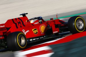 Έναρξη χειμερινών δοκιμών για την Formula 1, με τη Ferrari να είναι ταχύτερη