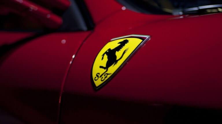 Η Ferrari θα παρουσιάσει στη Γενεύη ένα υβριδικό σούπερκαρ για τις… μάζες! | Newsit.gr