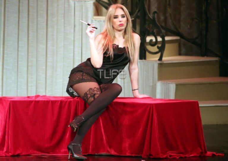 Χριστίνα Ψάλτη: Πιο sexy από ποτέ στη σκηνή του θεάτρου! (pics)