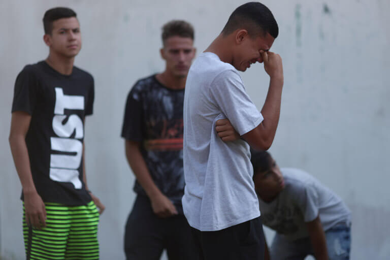 Τραγωδία στη Βραζιλία! Τουλάχιστον δέκα νεκροί μετά από πυρκαγιά στο προπονητικό κέντρο της Φλαμένγκο | Newsit.gr