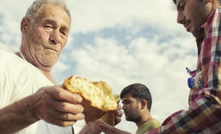 Συγκίνηση για τον θάνατο του «φούρναρη της Κω» που βοηθούσε πρόσφυγες   Newsit.gr
