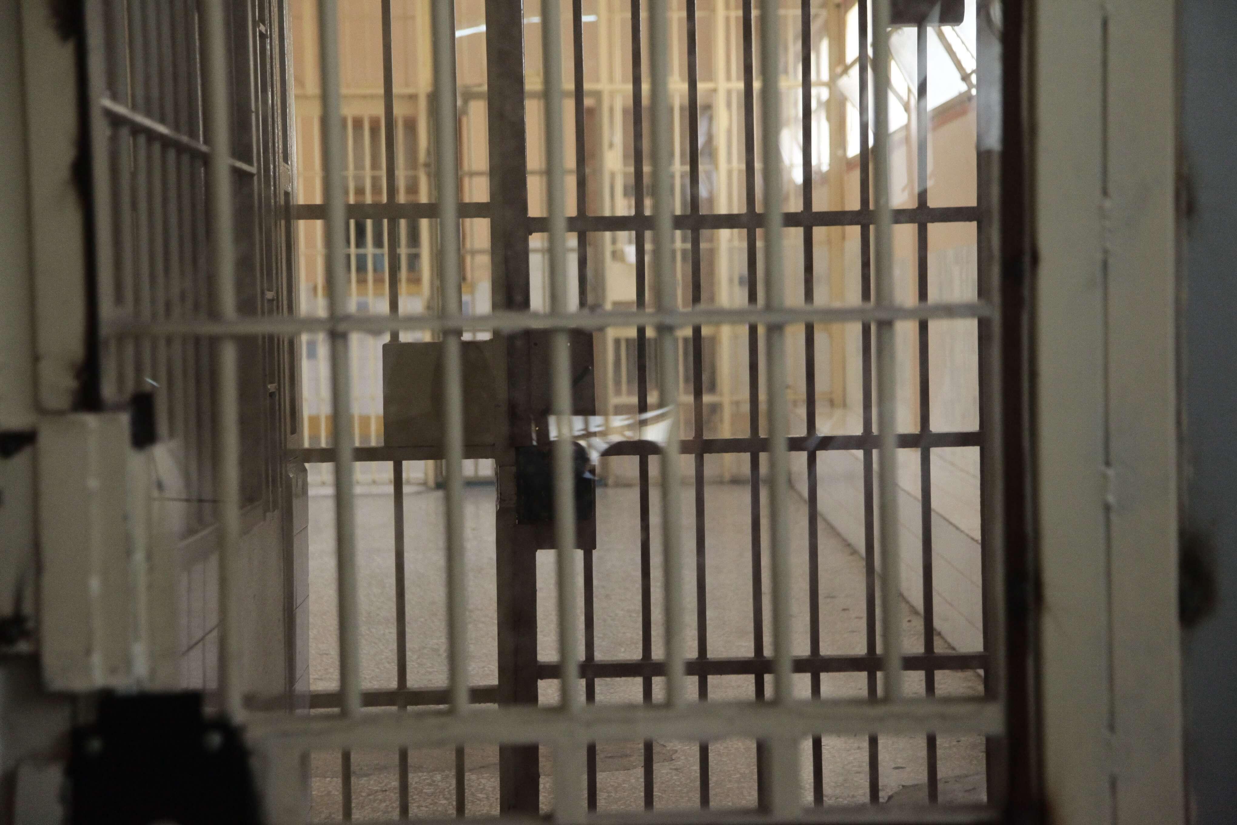 Οι διάλογοι που καίνε το κύκλωμα των φυλακών: Θα του κόψω το κεφάλι σαν κότα!
