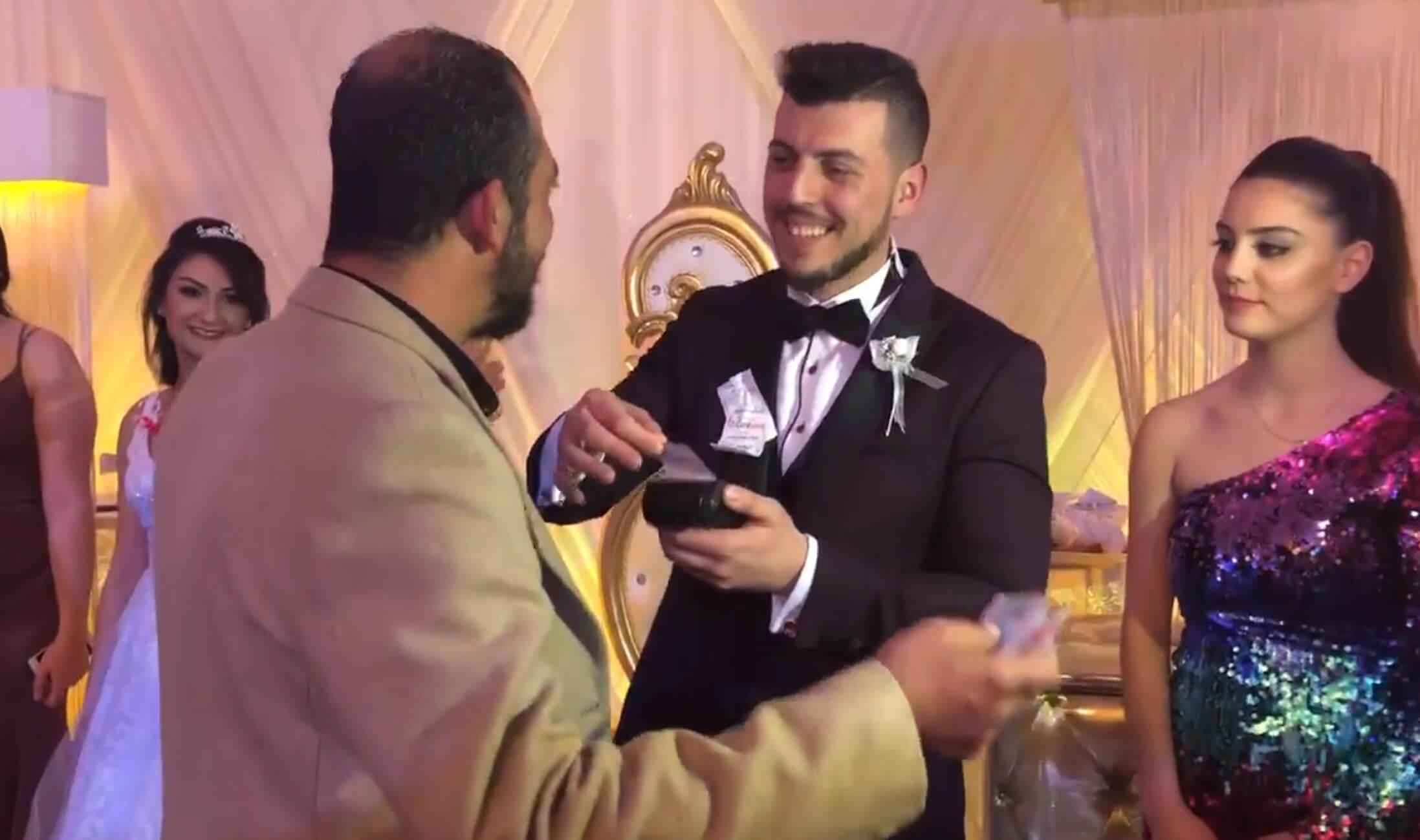 Κύπρος: Νεόνυμφοι δέχονταν δώρο γάμου… σε δόσεις μέσω POS! – video