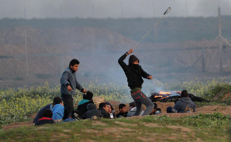 Νεκρός 14χρονος Παλαιστίνιος από ισραηλινά πυρά στην Γάζα! | Newsit.gr