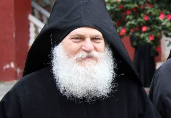 Ο Γέροντας Εφραίμ στο νοσοκομείο Κιέβου μετά από έμφραγμα | Newsit.gr