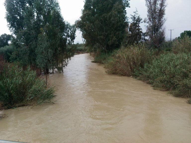 Κρήτη: «Θρίλερ» στην Μεσσαρά – Ποτάμι παρέσυρε ζευγάρι   Newsit.gr
