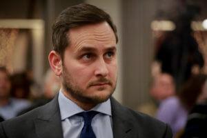 Μάριος Γεωργιάδης: Να παραδώσει η Μεγαλοοικονόμου την έδρα