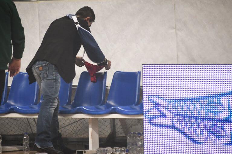 """Παναθηναϊκός – Ολυμπιακός: Ο Γιαννακόπουλος άφησε κόκκινο… στρινγκ στον """"ερυθρόλευκο"""" πάγκο! [pics]"""