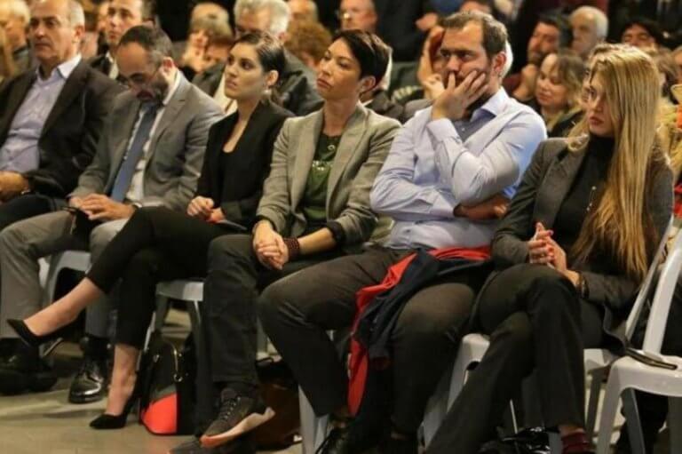 Πάτρα: Μαγνήτισε τα βλέμματα η σύντροφος του Γιώργου Παπανδρέου – Η εμφάνιση της Γουέντι Κόνελι [pics] | Newsit.gr