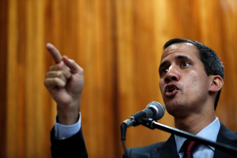 Η Ρουμανία αναγνώρισε και αυτή τον Γκουαϊδό ως νέο ηγέτη στη Βενεζουέλα | Newsit.gr