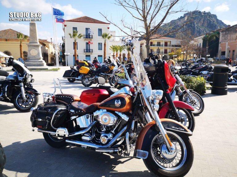 «Πασαρέλα» από πανέμορφες Harley στο Ναύπλιο [pics] | Newsit.gr
