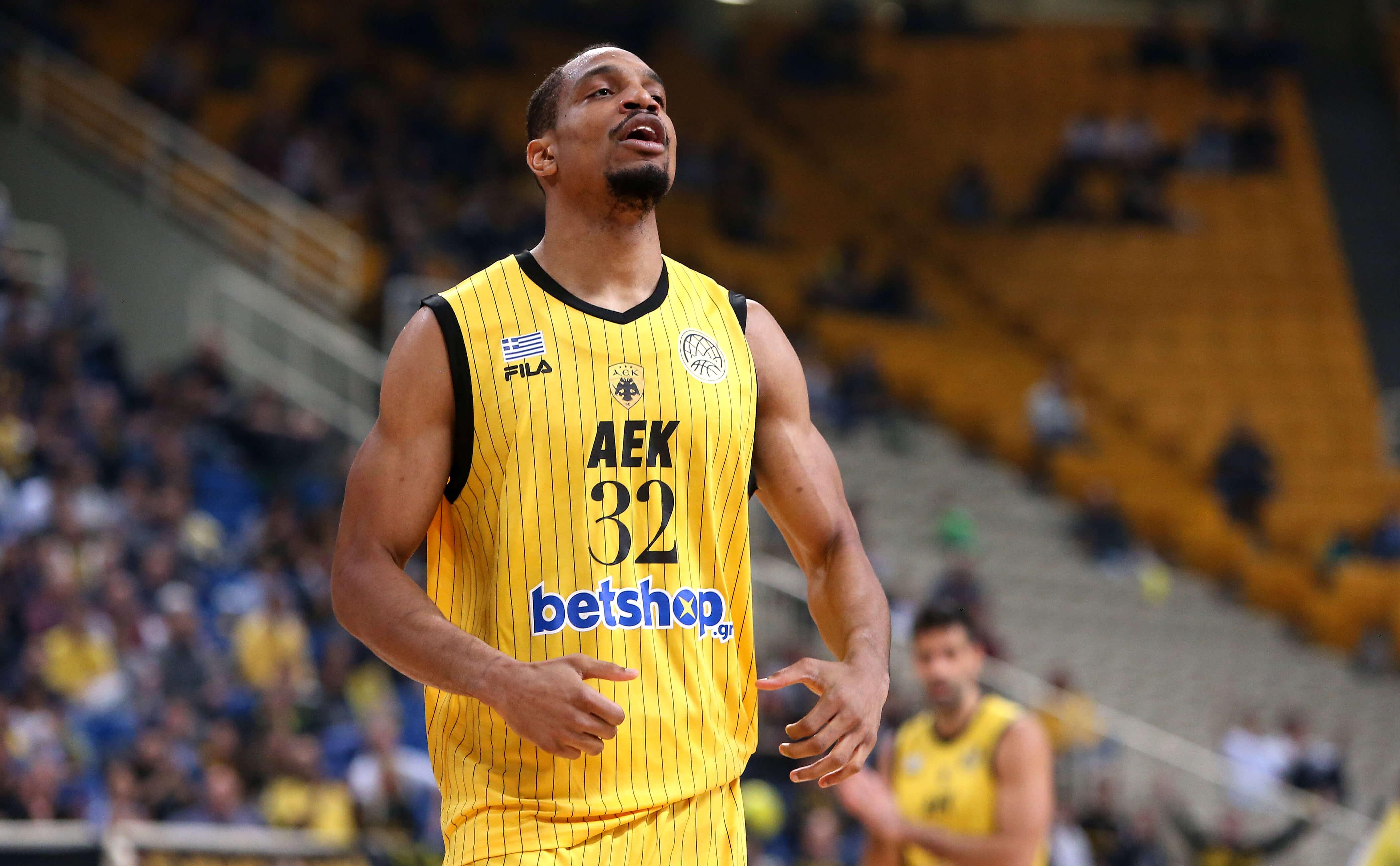 "Champions League – AEK: Ξανά MVP ο Χάντερ! ""Σαρώνει"" ο Αμερικανός σέντερ – video"