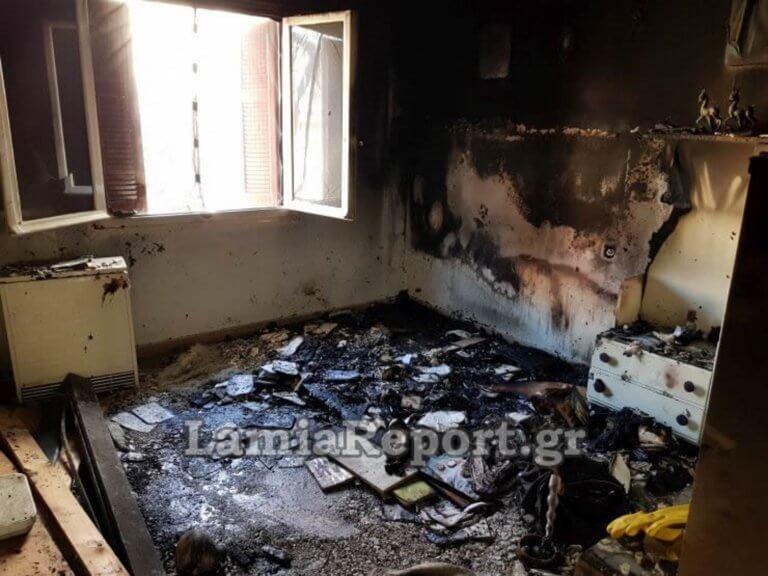 Έτσι έγινε το σπίτι στη Λαμία που «λαμπάδιασε» από κινητό – video   Newsit.gr