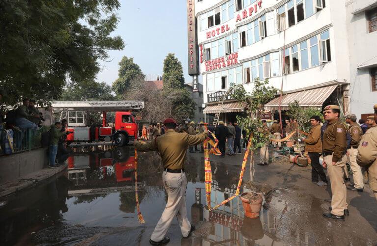 Τραγωδία στην Ινδία: 17 νεκροί από φωτιά σε ξενοδοχείο – Ένα παιδί ανάμεσα στα θύματα