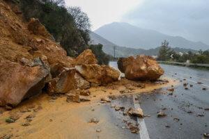 Εικόνες βιβλικής καταστροφής στην Κρήτη από την κακοκαιρία «Ωκεανίς» – Εκκενώθηκαν σπίτια στο Ρέθυμνο