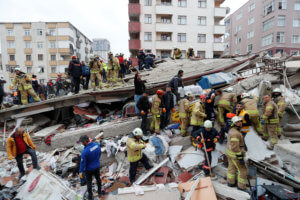 Βίντεο ντοκουμέντο: Η κατάρρευση του 8ώροφου κτιρίου στην Κωνσταντινούπολη!
