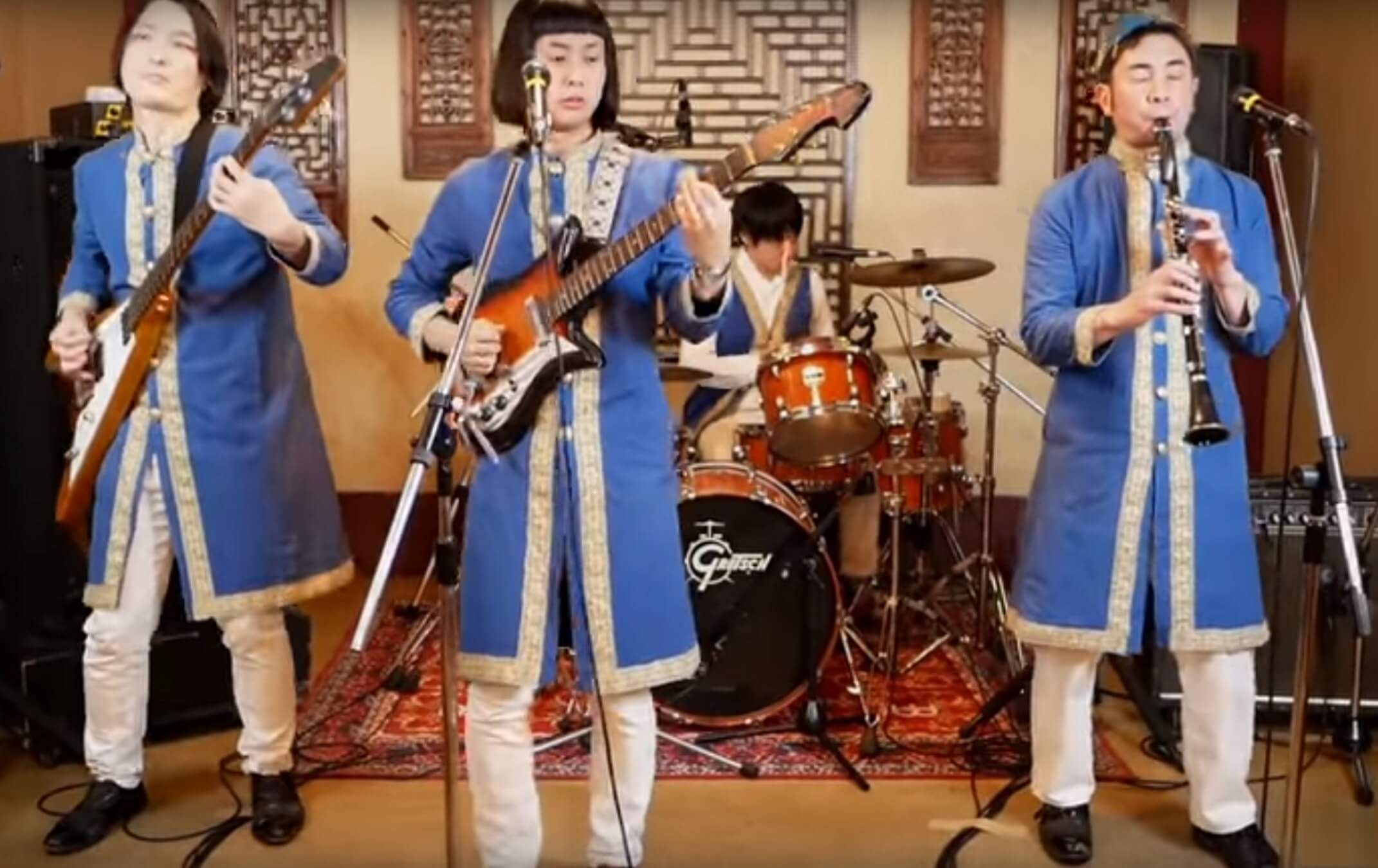 """Γιαπωνέζοι τραγουδούν τα """"Καγκέλια"""" και γονατίζουν το ίντερνετ"""