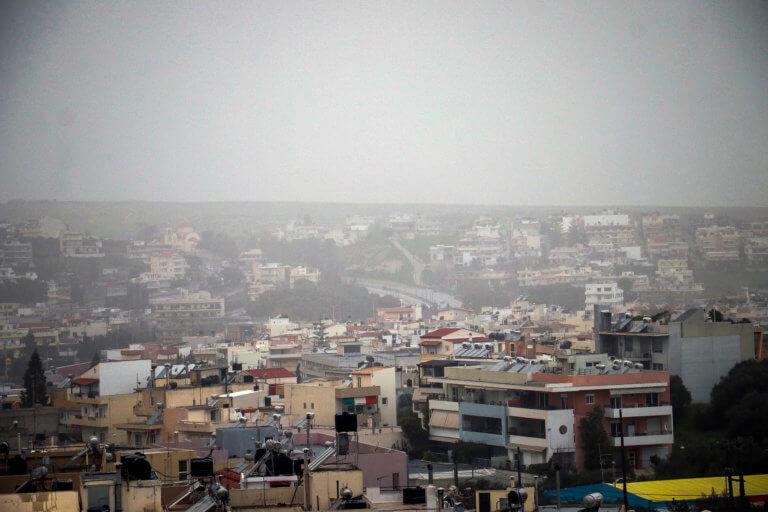 Καιρός: «Τσαγγαροδευτέρα» με ομίχλη, βροχή και σκόνη! Ξεκινά το κύμα κακοκαιρίας | Newsit.gr
