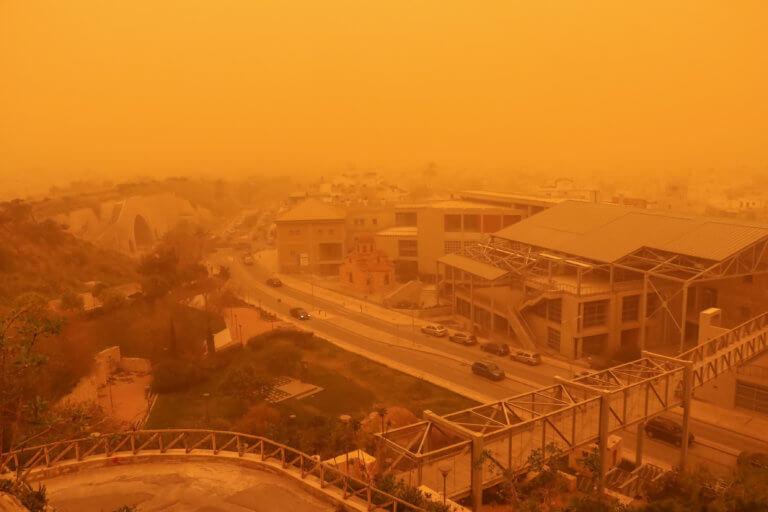 """Καιρός: """"Σαρωτική"""" αφρικανική σκόνη την Δευτέρα! Ποιες περιοχές θα θυμίσουν… Σαχάρα"""