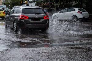 """Καιρός: Συνεχίζει να ρίχνει """"καρεκλοπόδαρα"""" η Χιόνη – Έκτακτες οδηγίες προς τους πολίτες"""