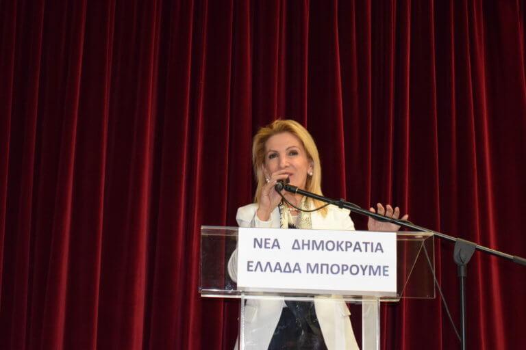 Ευτελισμός και ποδοσφαιροποίηση της πολιτικής ζωής από τους ΣΥΡΙΖΑΝΕΛ | Newsit.gr