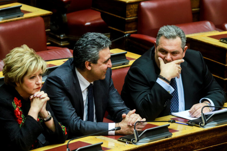 Βολές κατά ριπάς από Καμμένο: Να παραδώσουν την έδρα τώρα Παπαχριστόπουλος και Κουίκ