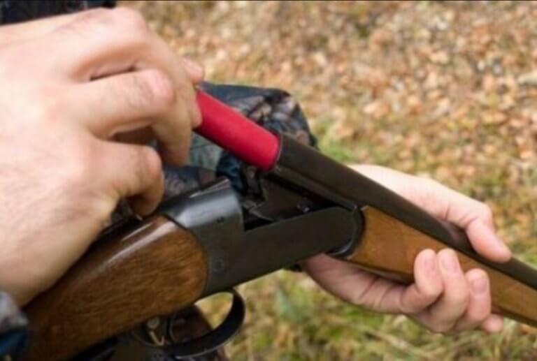 Ηράκλειο: Πυροβόλησε τον ανηψιό του με κυνηγετικό όπλο – Ο καυγάς στην αυλή πήρε απρόβλεπτες διαστάσεις!