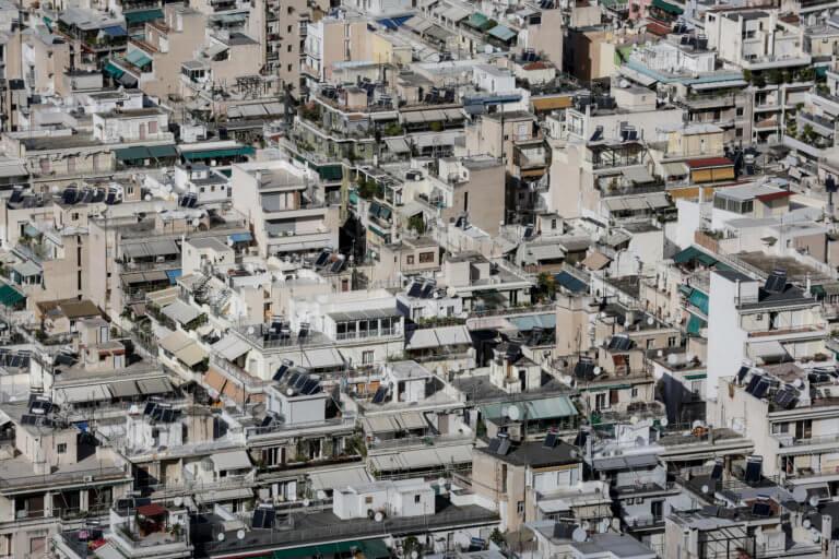 Συμφωνία κυβέρνησης τραπεζιτών για την προστασία της πρώτης κατοικίας – στην Βουλή την Τρίτη το νομοσχέδιο