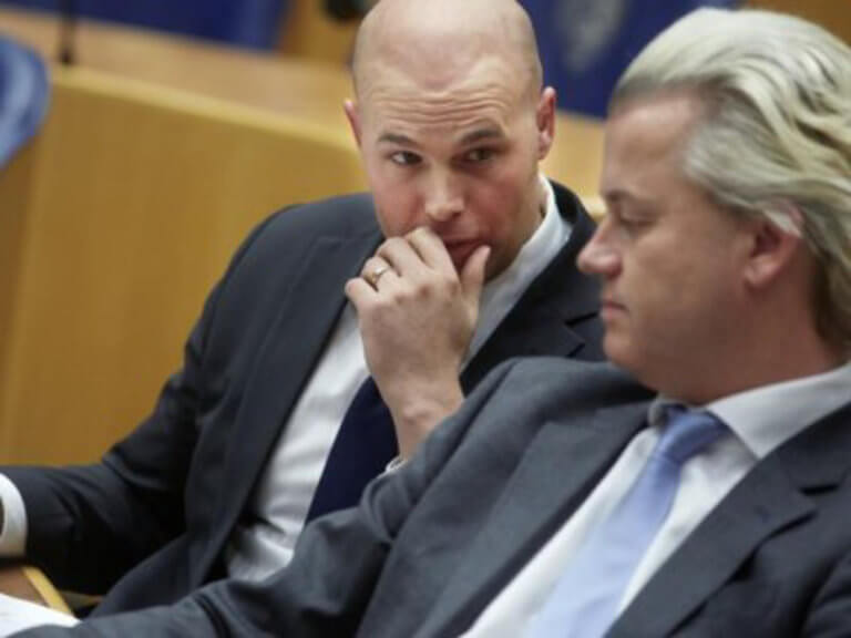 Ολλανδία: Πρώην βουλευτής του αντιισλαμικού κόμματος… ασπάστηκε το Ισλάμ! | Newsit.gr
