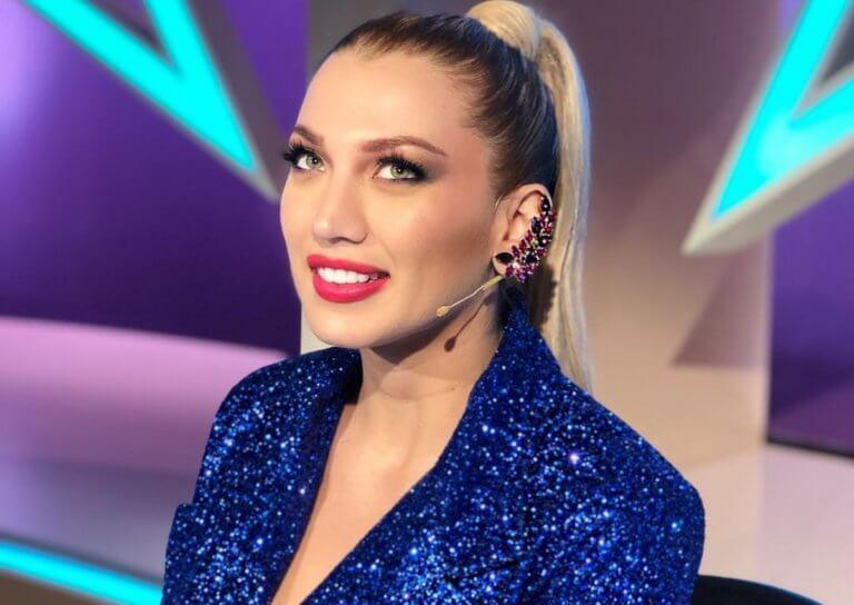 Κωνσταντίνα Σπυροπούλου: Έκανε ροζ ανταύγειες στα μαλλιά της και δεν είναι ψεύτικες! (video)