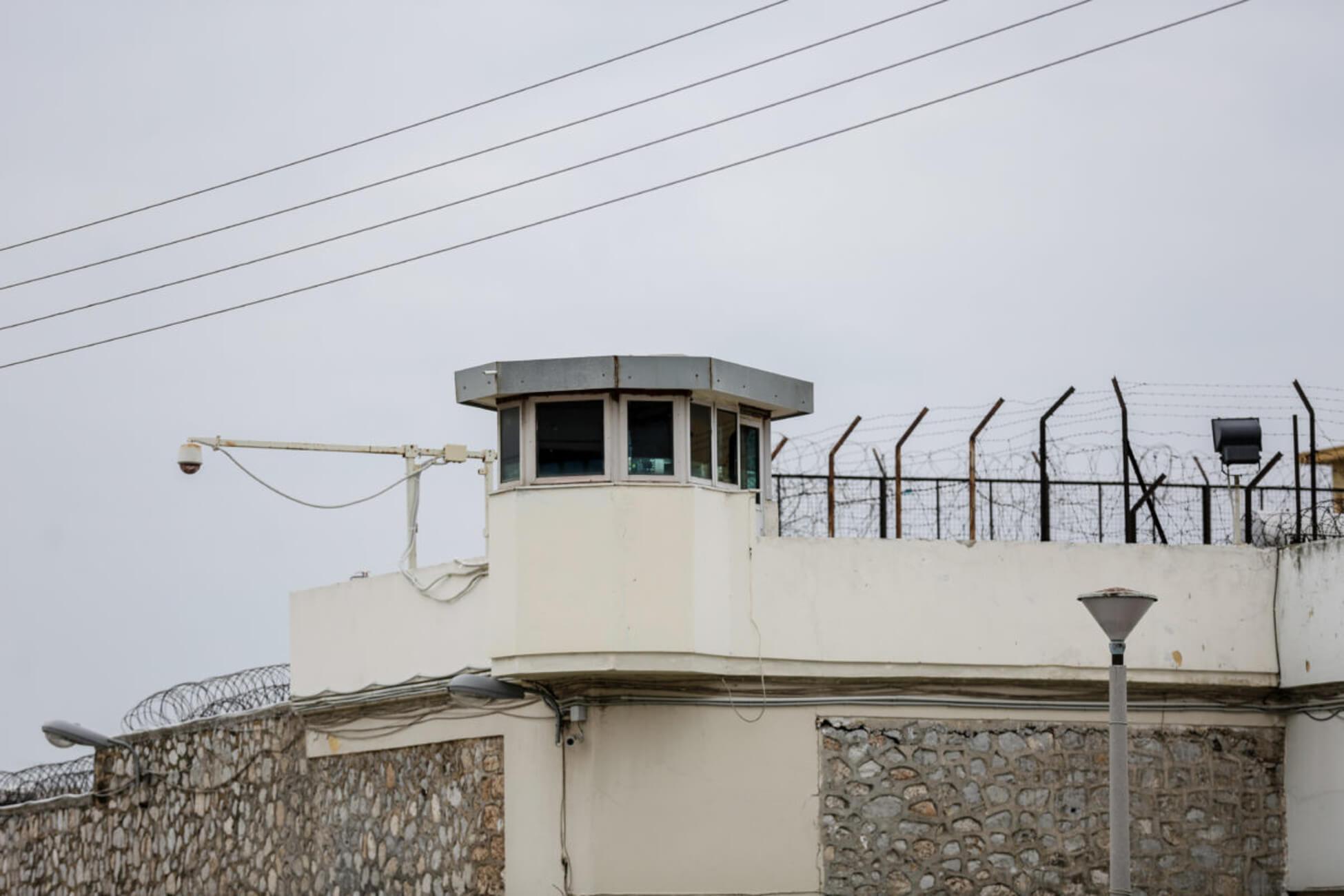 Χειροπέδες σε δύο δικηγόρους για την μαφία των φυλακών Κορυδαλλού