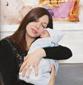 """Θλίψη: """"Έφυγε"""" η Ζωή Κωσταρίδη, η πρώτη γυναίκα που γέννησε μετά από μεταμόσχευση καρδιάς"""