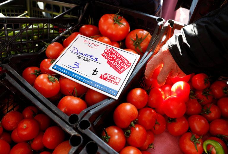 Τουρκία: Ο «πόλεμος» της… ντομάτας! Άνοιξε τις λαϊκές αγορές ο Ερντογάν! | Newsit.gr