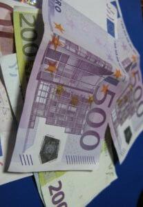 Κρύβετε εισοδήματα από την εφορία; Ξανασκεφτείτε το!