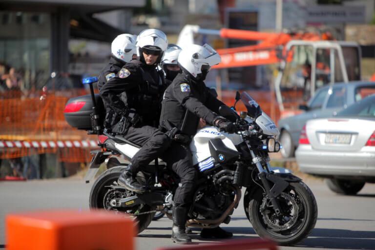 Ηλεία: Έπιασαν τους ληστές που σακάτεψαν υπάλληλο βενζινάδικου – Μπήκαν με ρόπαλο, μπαλτά και μαχαίρια! | Newsit.gr