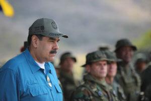 Βενεζουέλα: Ο Μαδούρο σκέφτεται να παρατάξει στρατό στα σύνορα με την Κολομβία