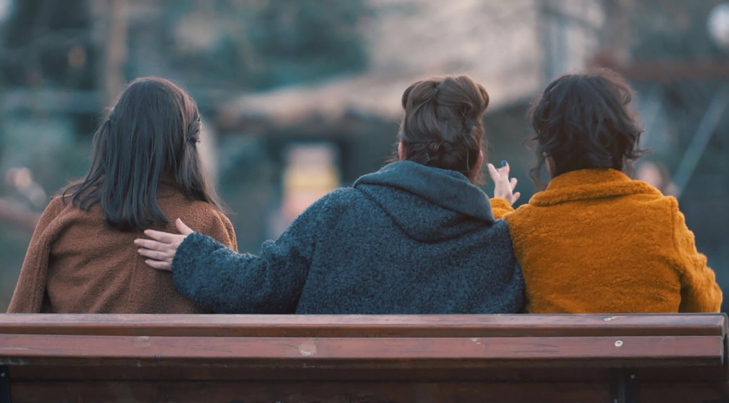 «Μαμάδες στο παγκάκι»: Όλες οι λεπτομέρειες για την καινούργια σειρά – video | Newsit.gr