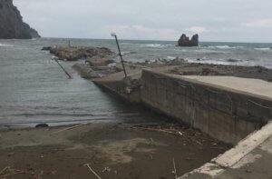 Εύβοια: Βομβαρδισμένο τοπίο το λιμάνι στο Μαντούδι – Το προβλεπόμενο έργο δεν έγινε ποτέ [pics]
