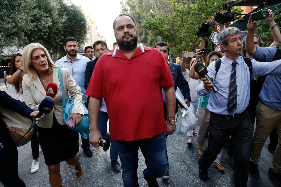 Τηλεοπτικές άδειες: Μόνο ο Μαρινάκης κατέβηκε στο διαγωνισμό | Newsit.gr