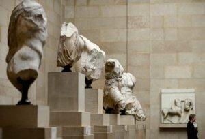 Σύγκρουση κυβέρνησης – ΣΥΡΙΖΑ για τα γλυπτά του Παρθενώνα