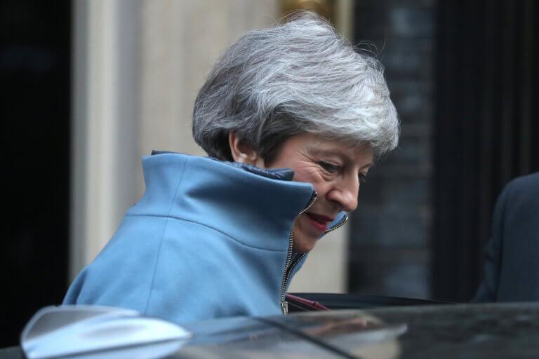 Brexit: Θλιμμένη δηλώνει η Μέι από την αποχώρηση των τριών βουλευτών