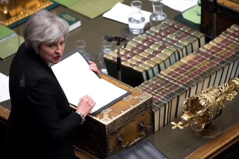Brexit: Σε ένα… μπαρ προδόθηκε το εκβιαστικό δίλημμα της Μέι στο Βρετανικό κοινοβούλιο   Newsit.gr