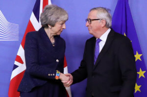 Brexit: «Κόλαση» on camera! Η Μέι έζησε την… υπόσχεση Τουσκ