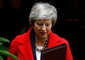 Brexit: «Η Μέι δέχεται τεράστιες πιέσεις για αποχώρηση χωρίς συμφωνία» αναφέρει πρώην υπουργός